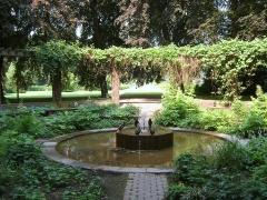 pinguinbrunnen im stadtpark